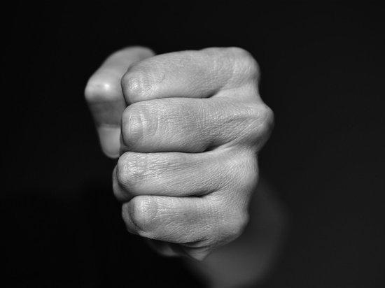 Женщину, напавшую на врача поликлиники, задержали в Кузбассе