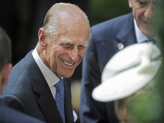 Скончавшийся в 99-летнем возрасте муж королевы Елизаветы II принц Филипп запомнится британцам не только благодаря тому, что он установил рекорд по пребыванию в роли супруга монаршей особы, но и благодаря своему острому языку