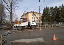 Уфимские спасатели устранили подтопление дороги в Максимовке