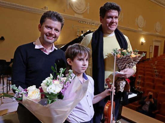 Что сказал Денис Мацуев мальчику-скрипачу, с которым воюют соседи