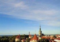 Глава МИД России Сергей Лавров в телефонном разговоре со своим эстонским коллегой Эвой-Марией Лийметс заявил, что Таллину следует решить вопросы с дискриминацией русскоязычного населения и предотвратить попытки переписывать историю