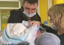 В Улан-Удэ выписали новорожденного, которого прооперировал врач с мировым именем