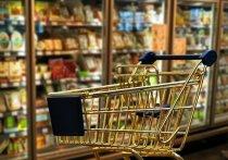 Блогер показал цены на продукты в украинском магазине
