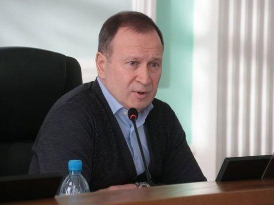 В Омске неизвестные начали поиск пострадавших от компаний экс-депутата Федотова