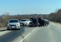 Днем 10 апреля на выезде из Маслово в Туле легковушка сбила мотоциклиста