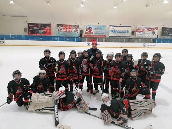 Юные хоккеисты из Ноябрьска взяли «бронзу» на турнире в Челябинске