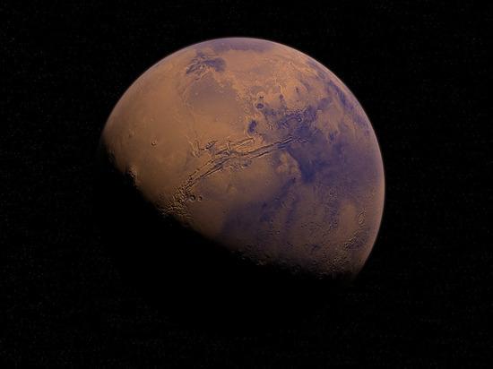 """NASA объяснило появление """"радуги"""" на Марсе"""