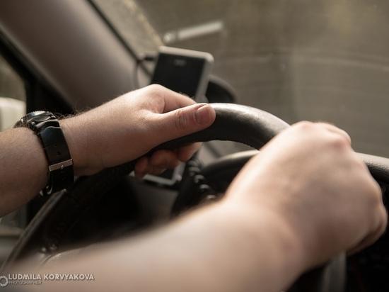 Водители, застрявшие в многокилометровой пробке в Повенце, смогли продолжить путь