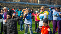300 человек пришли на Олимпийскую зарядку во Владивостоке