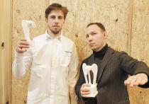 Фильм «Дорогие товарищи!» Андрея Кончаловского отмечен как лучший фильм 2020 года премией кинокритики и кинопрессы «Белый слон»