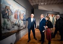На выставке представлено 42 произведения живописи, графики и скульптуры на индустриальную тему из двух основных художественных музеев региона — Музея изобразительных искусств Кузбасса и Новокузнецкого художественного музея