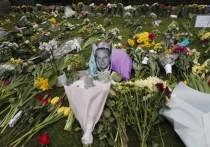 Как сообщает Sun со ссылкой на информированные источники и очевидцев, британский принц Гарри прилетел вВеликобританию из США для участия в церемонии прощания со своим дедомпринцем Филиппом, которая намечена на 17 апреля