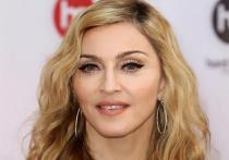 Дочь Мадонны пристыдили после фото с небритыми подмышками