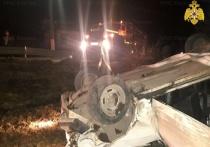 Под Калугой машина влетела в забор и перевернулась
