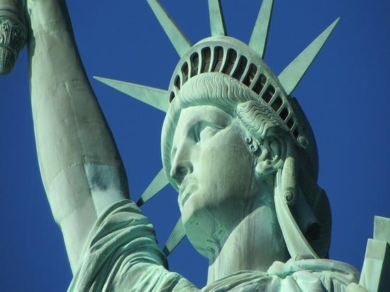 """В США сорвались митинги под лозунгом """"Жизни белых имеют значение"""""""