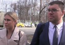 На процессе над оппозиционеркой Любовью Соболь, обвиняемой в незаконном проникновении в жилище сотрудника ФСБ, выяснилось, что у нее новый адвокат
