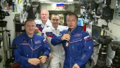 Экипаж МКС с орбиты поздравил россиян с Днем космонавтики
