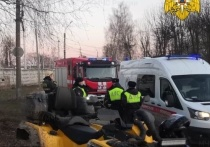 Квадроциклист в Калуге протаранил столб и забор