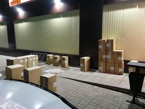 В Руднянском районе сотрудники ГИБДД остановили авто 19-ю коробками табачных изделий без документов