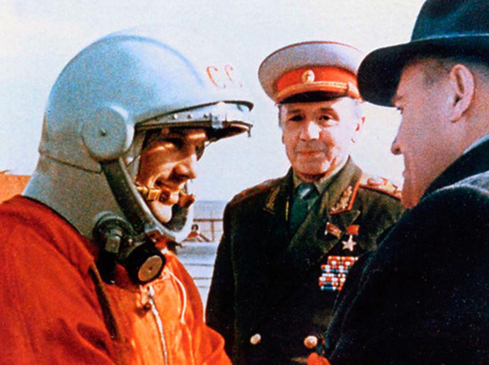 Выразительные фото Юрия Гагарина: путь первого космонавта