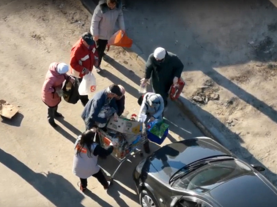 Битва воронежских пенсионеров за просроченные продукты попала на видео