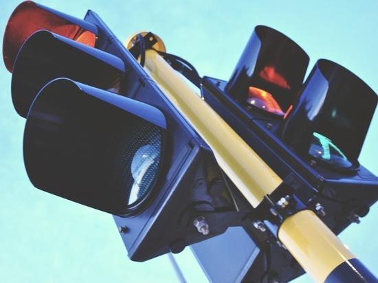 Перегоревший светофор в Петрозаводске отремонтируют 12 апреля