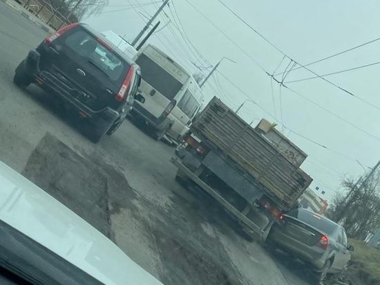 Авария на Городищенской горке в Брянске стала причиной пробки