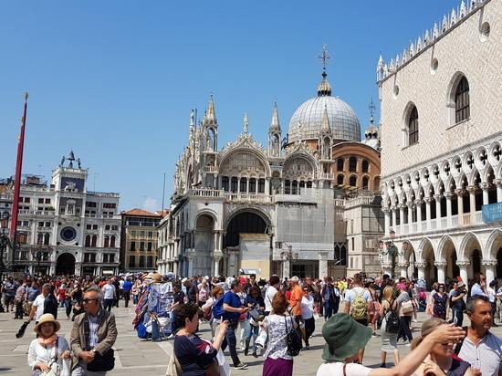 Италия назвала условия для въезда туристов