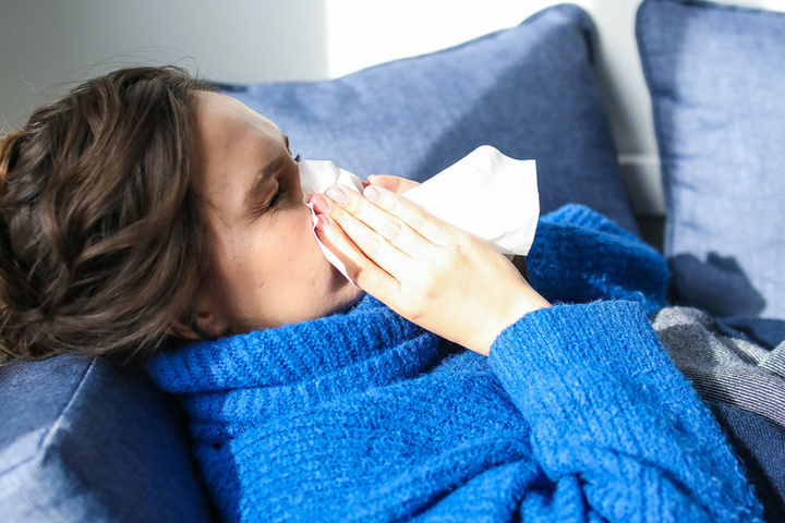 16:34 Выдвинута гипотеза о подавляющей коронавирус простуде