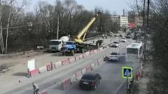 """В Рязани пассажирский автобус """"собрал"""" 12 авто: видео массового ДТП"""