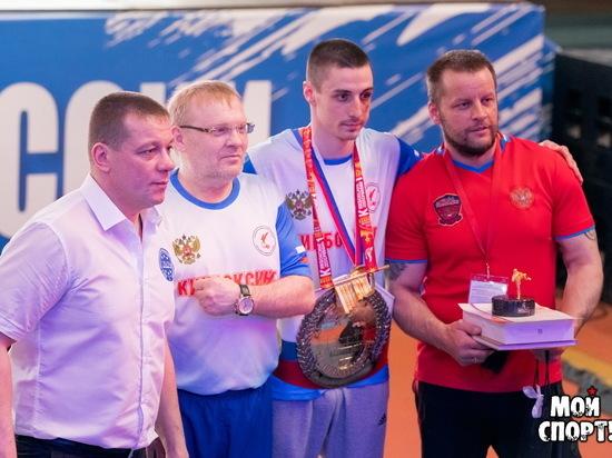 Виктор Михайлов из Челябинска завоевал «золото» чемпионата России по кикбоксингу