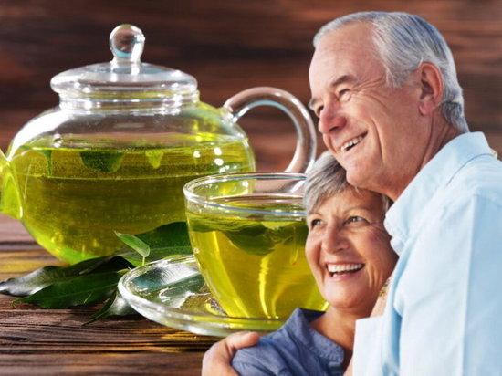 Специалисты рассказали о пользе зеленого чая по утрам