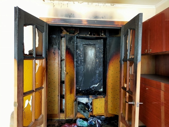 Пожар в шкафу: в смоленской квартире горели вещи внутри мебели