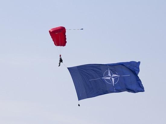 НАТО считает необоснованной переброску российских войск к границе с Украиной