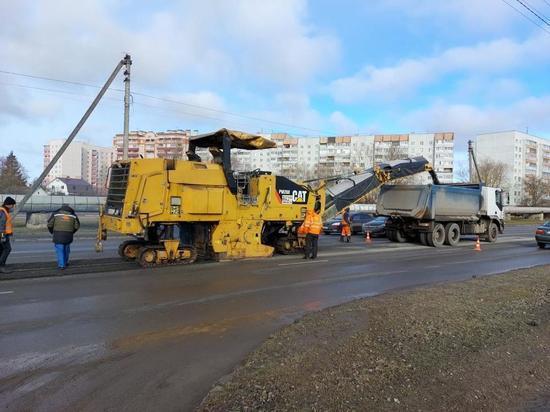 Активные дорожные работы ведутся на улице Инженерной в Пскове