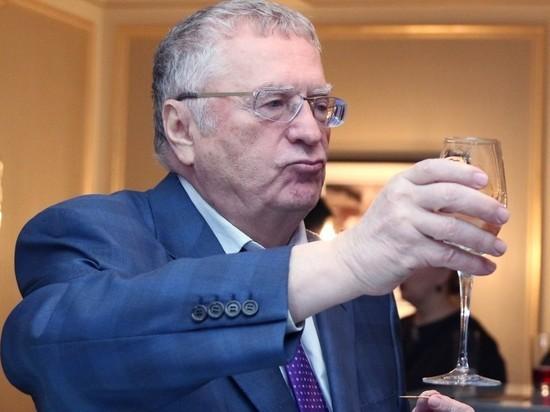 Жириновский предложил заменить новогодние каникулы прибавкой к майским