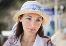 В возрасте 20 лет российская актриса театра и кино Наталия Антонова вышла замуж за коллегу Александра Вершинина, а после появления на свет сына артистка поняла, что не нужна супругу, и решилась на развод