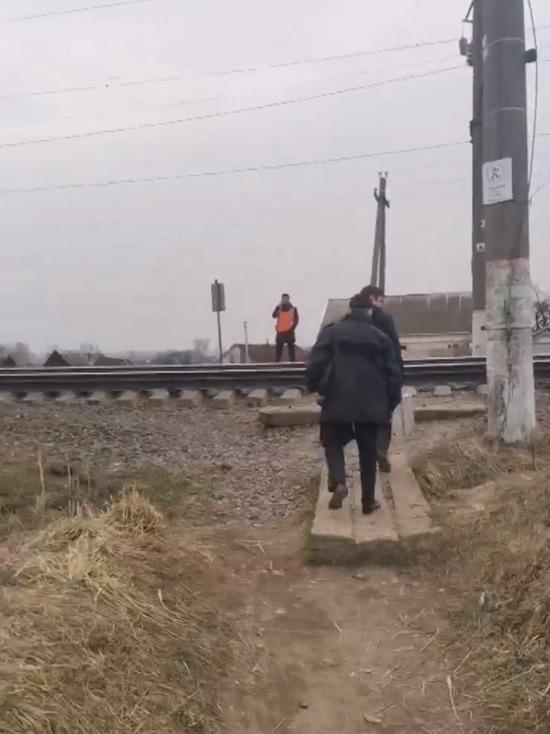 В Ярцево на улице Школьная поезд насмерть сбил 49-летнего мужчину