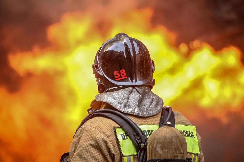 Пожар на «Невской мануфактуре» 12 апреля 2021 года: огонь и люди