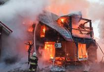 Крупный пожар на алтайской турбазе «Манжерок» пришлось тушить водой из родника