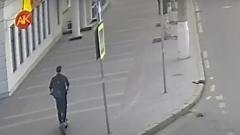 Авария с электросамокатом в центре Волгограда попала на видеокамеры