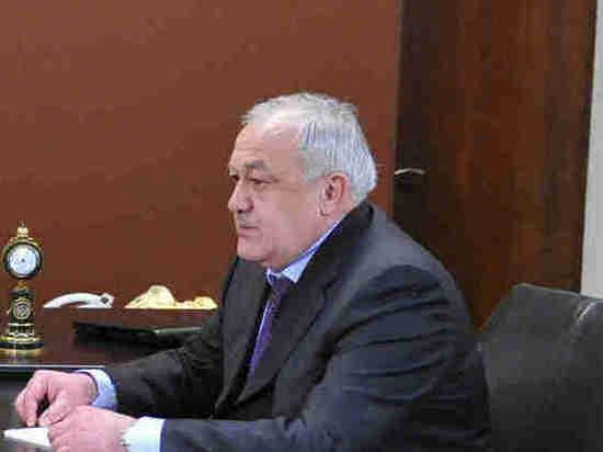 Разнявший сыновей Битарова и Жириновского сенатор рассказал о драке