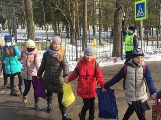 В Ивановской области прошла акция «Шагающий автобус»