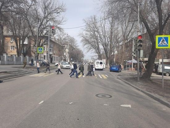 В Ростове водитель иномарки сбил 14-летнюю девочку