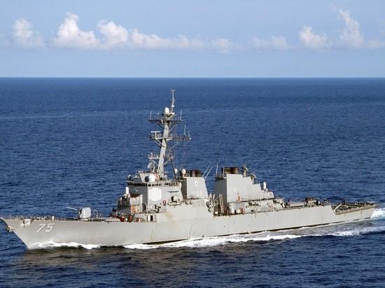 Эсминец США покинул Грецию и направился к Черному морю