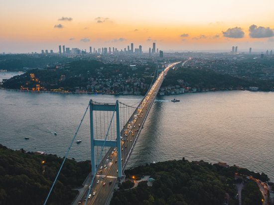"Президент Турции Реджеп Тайип Эрдоган заявил, что конвенция Монтрё о статусе проливов Босфор и Дарданеллы не касается проектируемого канала ""Стамбул"""