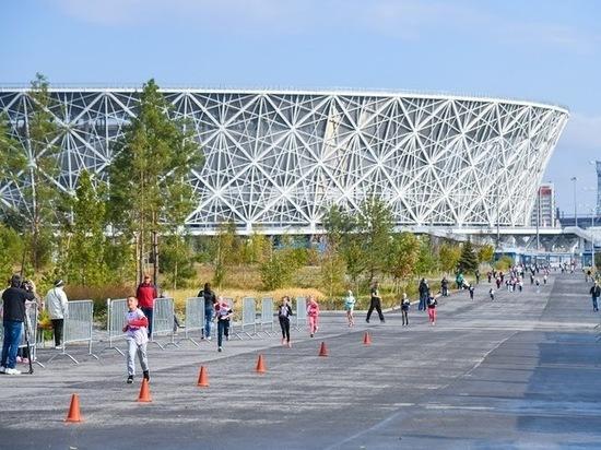 Возле парка Победы в Волгограде заменят просевшую плитку