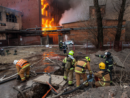 Суд на два месяца арестовал директора сгоревшей «Невской мануфактуры» и его зама