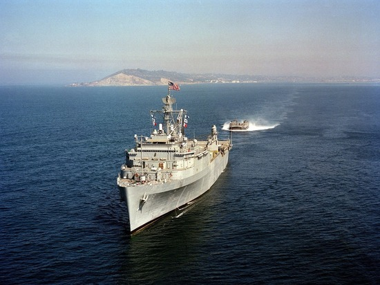 МИД Турции подтвердил отмену прохода военных кораблей США в Черное море