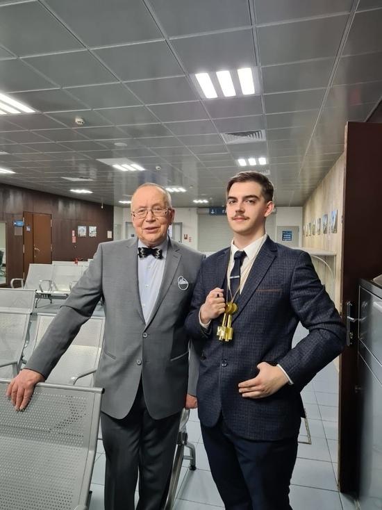 Дочитался до МГИМО: Как школьник из Новоржева победил в известной передаче и получил путёвку в жизнь